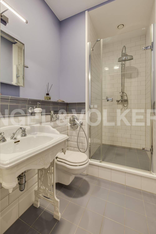 Элитные квартиры на . Санкт-Петербург, ул. Кемская, д. 7. 09_Ванная комната с душевой