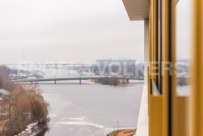 Элитные квартиры в Петроградском районе. Санкт-Петербург, Ждановская ул., 45. Зимний пейзаж