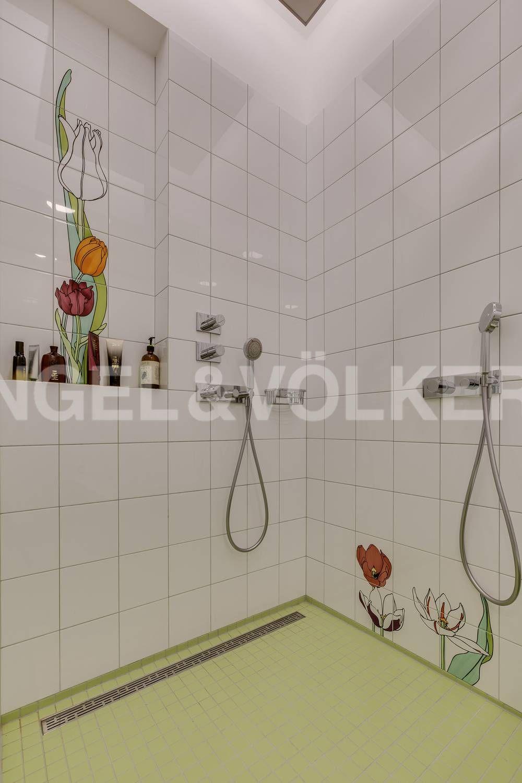 Элитные квартиры на . Санкт-Петербург, ул. Кемская, д. 7. 12_Одна из ванных комнат
