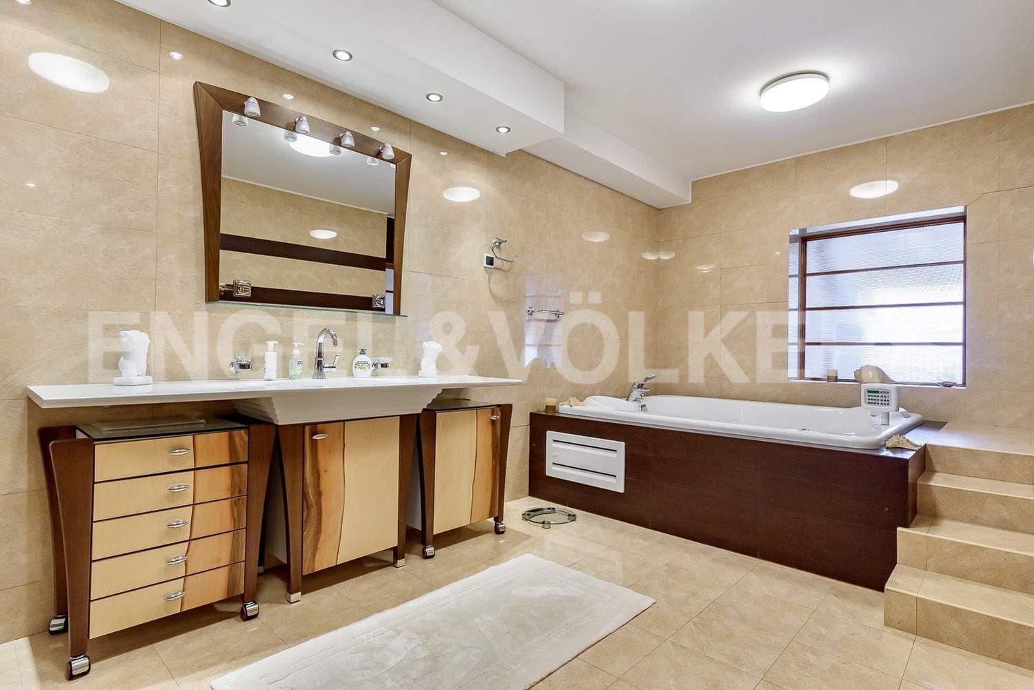 Элитные квартиры в Центральном районе. Санкт-Петербург, Итальянская ул., 4. Ванная комната