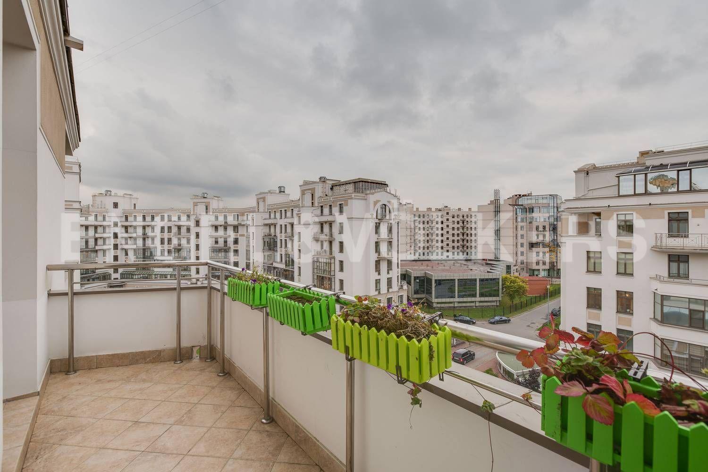 Элитные квартиры на . Санкт-Петербург, ул. Кемская, д. 7. 17_Балкон