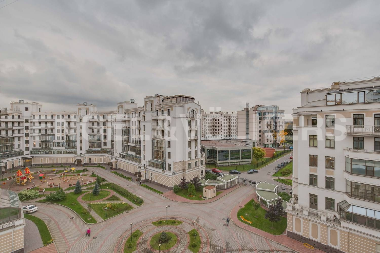Элитные квартиры на . Санкт-Петербург, ул. Кемская, д. 7. 20_Благоустроенный двор