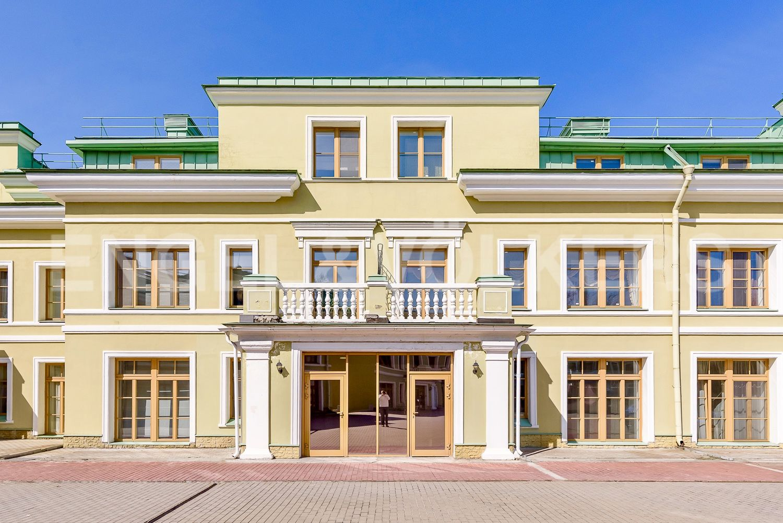 Элитные квартиры на . Санкт-Петербург, 2-я Березовая аллея, 19. Входная зона со внутренней территории