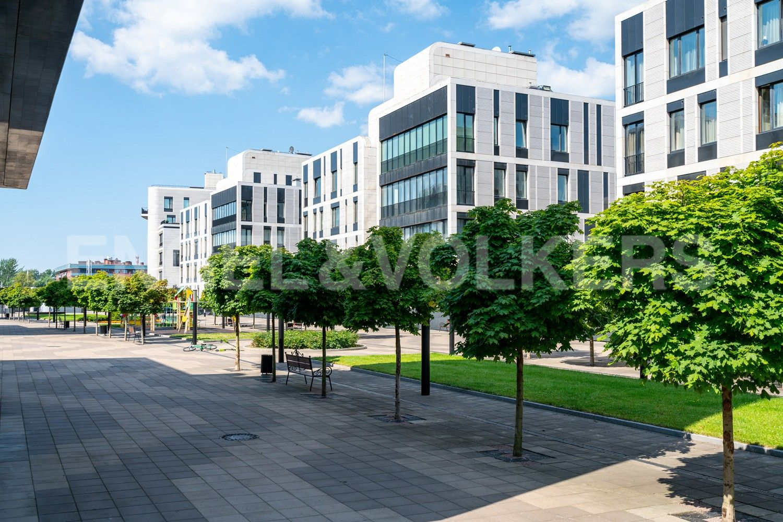 Элитные квартиры на . Санкт-Петербург, наб. Мартынова, 62. Просторная закрытая территория комплекса