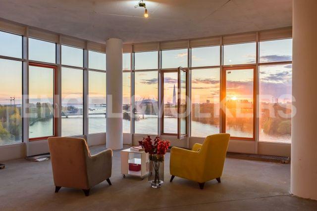 Клубный дом «Мальта» – супер-видовая квартира с панорамными окнами и собственным лифтом