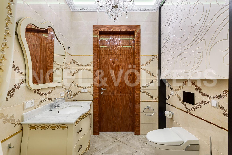 Элитные квартиры на . Санкт-Петербург, Морской пр., 15. 28_Вторая ванная комната