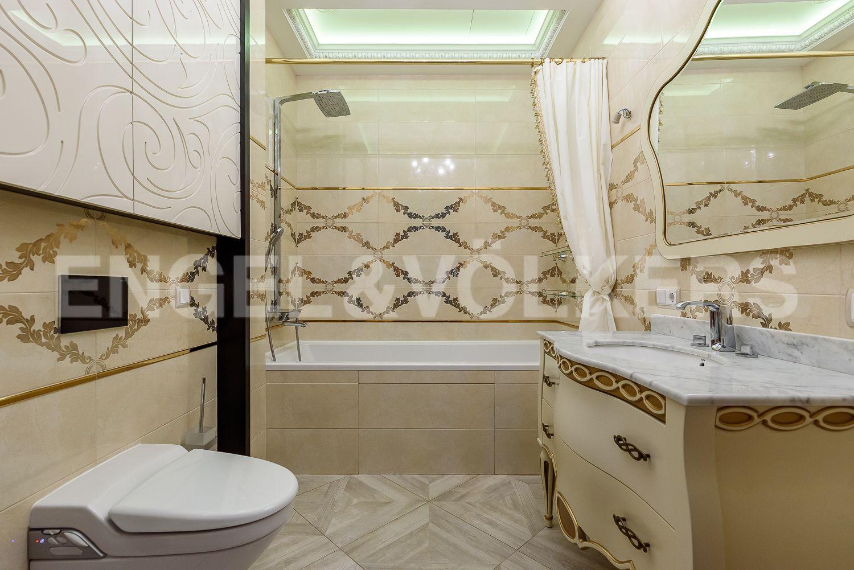 Элитные квартиры на . Санкт-Петербург, Морской пр., 15. 29_Вторая ванная комната