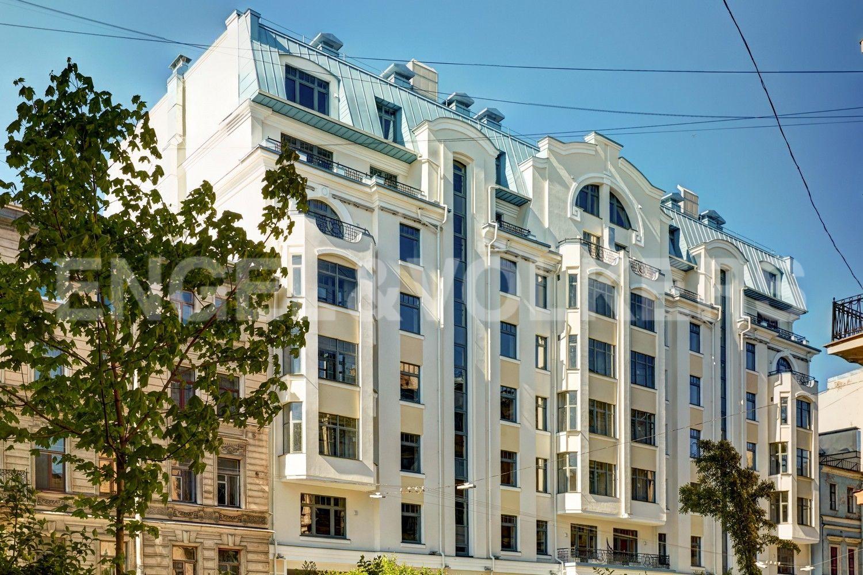 Элитные квартиры в Центральном районе. Санкт-Петербург, 4-я Советская ул, 9. Фасад