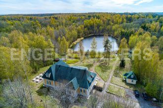 п. Токсово – уединенная усадьба на берегу озера в окружении леса