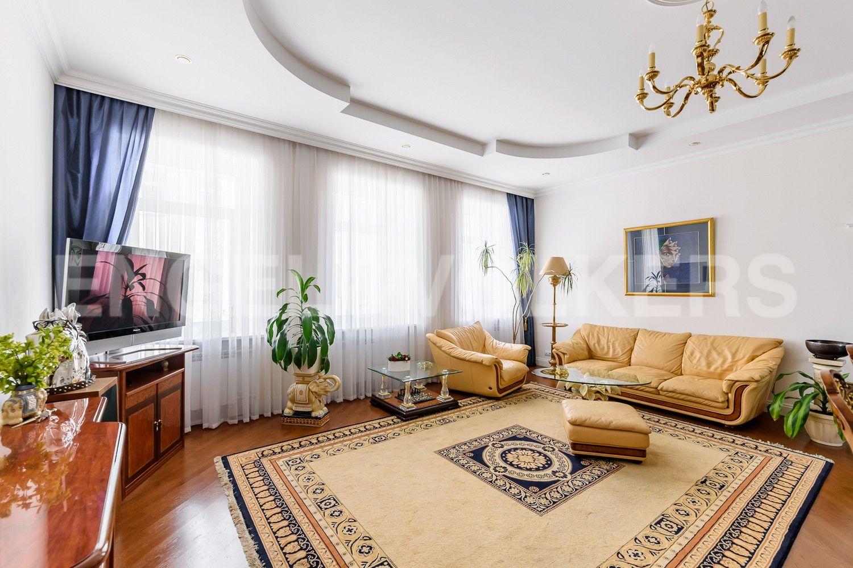 Элитные квартиры на . Санкт-Петербург, Мартынова наб.,6. Окна комнат на восток