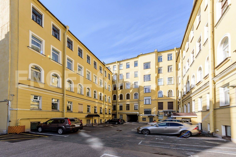 Элитные квартиры на . Санкт-Петербург, Мартынова наб.,6. Внутренний двор