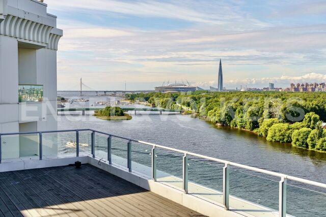 «Леонтьевский мыс» – пентхаус с террасой и видом на Финский залив