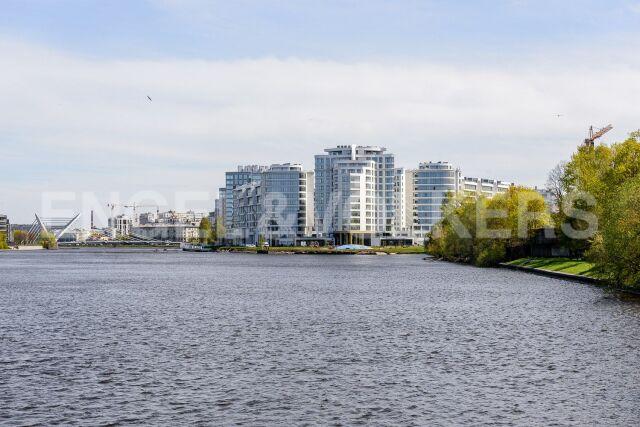 Ждановская, 45 — функциональная квартира с открытой террасой