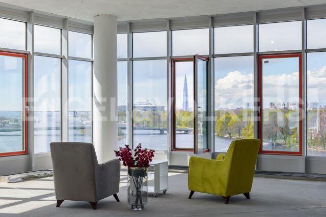 Клубный дом «Мальта» – квартира с прямым панорамным видом на воду из всех комнат