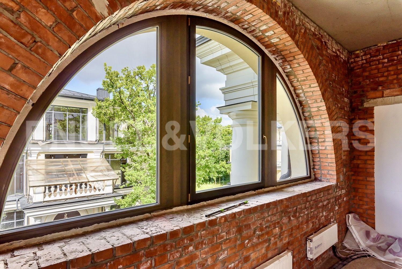 Элитные квартиры на . Санкт-Петербург, набережная реки Крестовки, 3Ас1. Оригинальные арочные окна