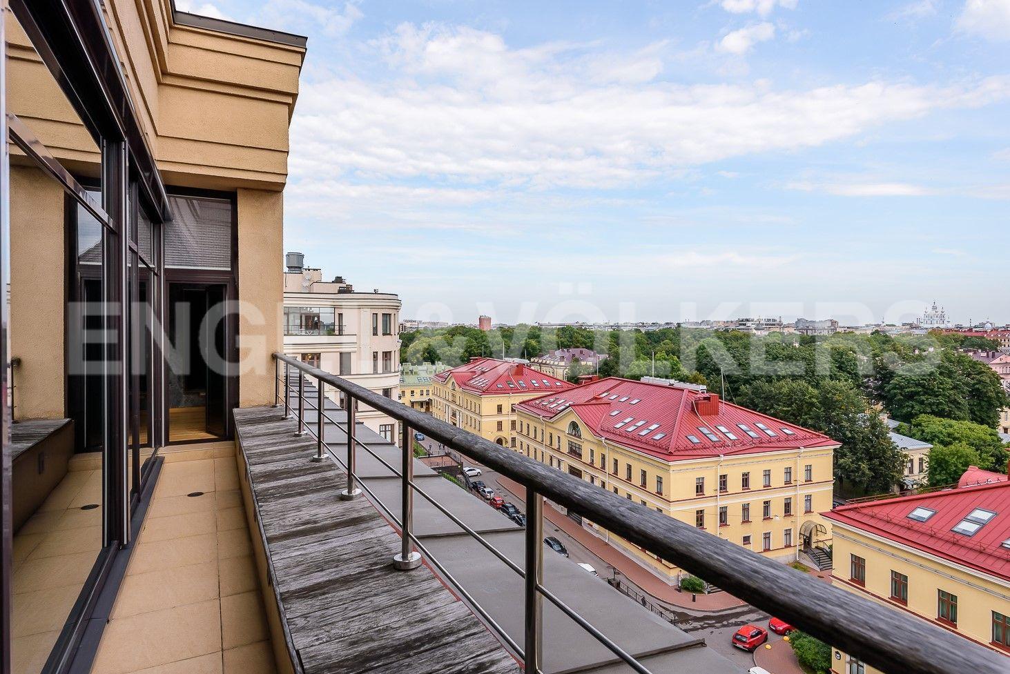 Элитные квартиры в Центральном районе. Санкт-Петербург, Парадная ул., д. 3, к. 2. Терраса из гостиной