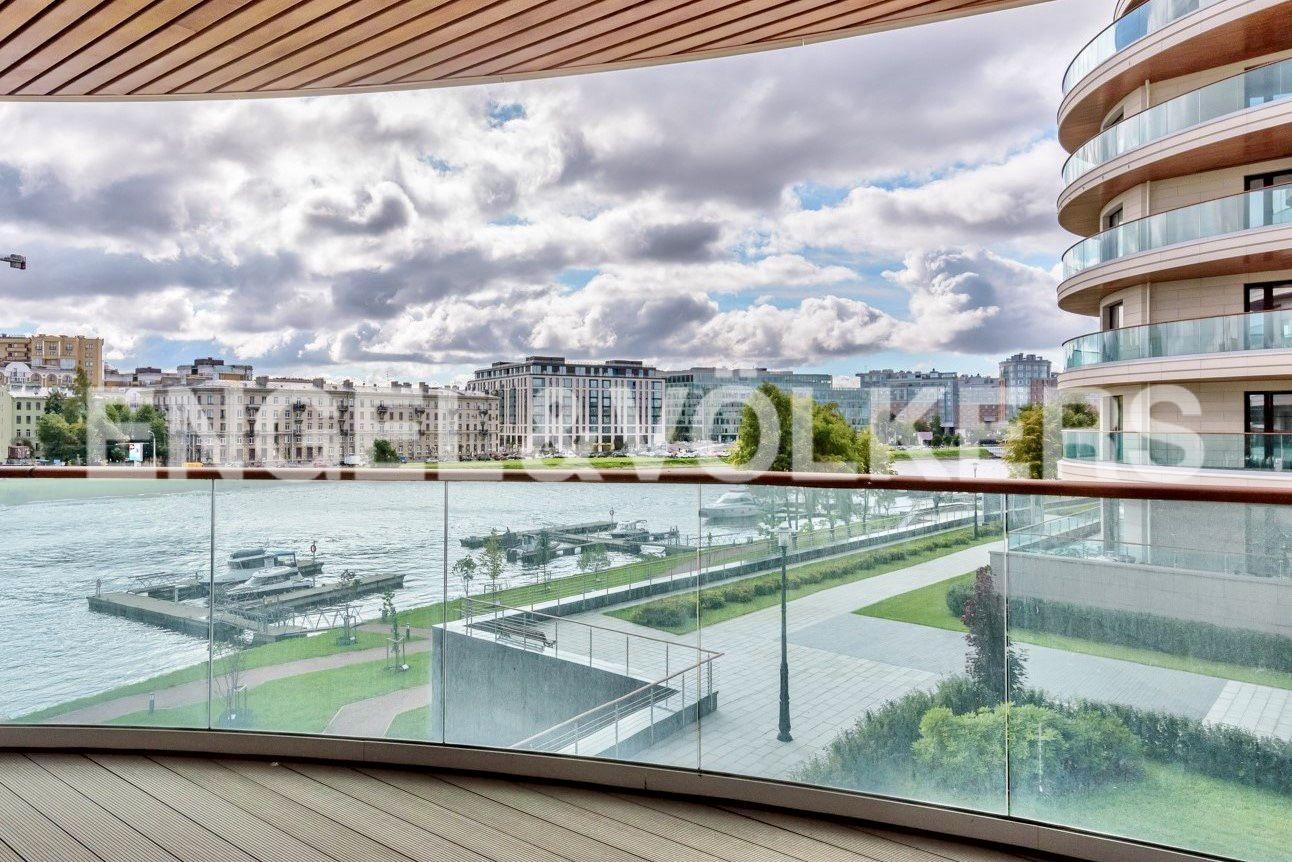 Элитные квартиры на . Санкт-Петербург, ул. Вязовая, 8. Вид с террасы