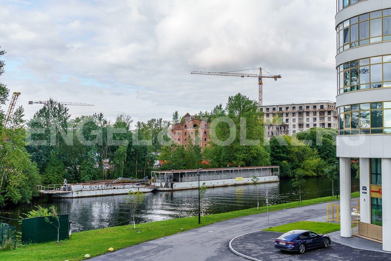 Вид на набережную реки Ждановки