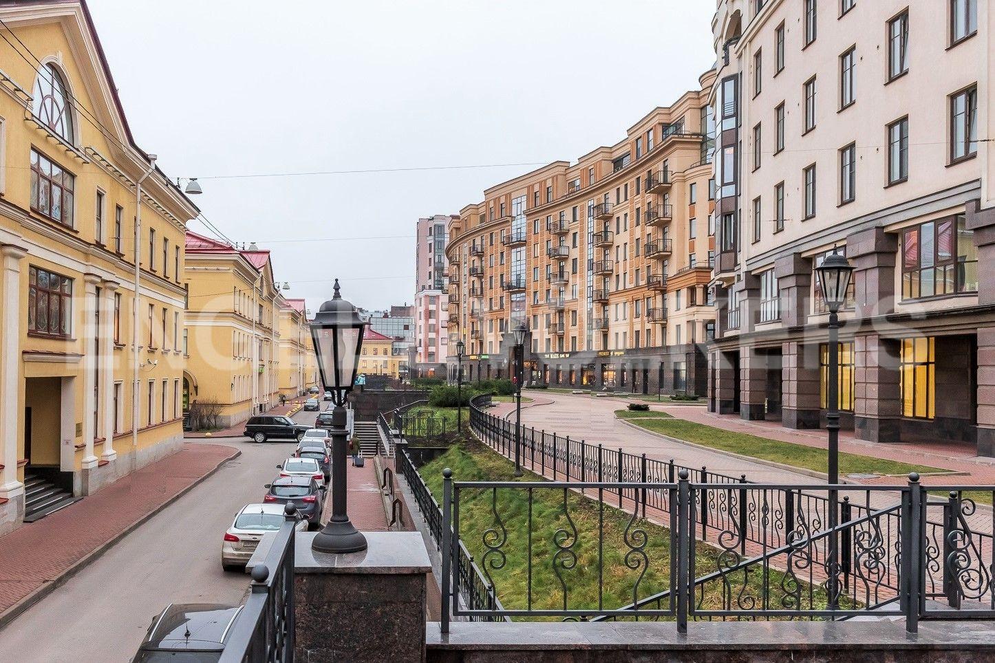 Элитные квартиры в Центральном районе. Санкт-Петербург, Парадная ул., д. 3, к. 2. Прогулочная зона