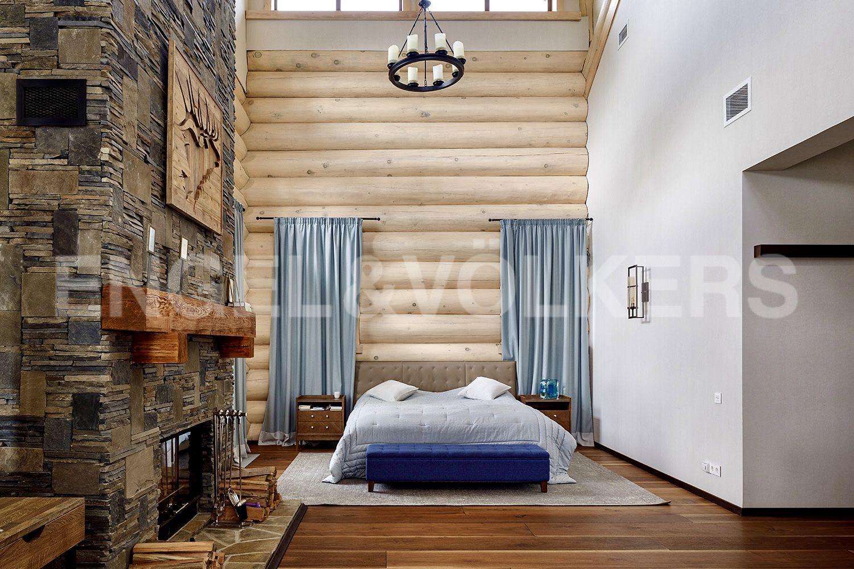 Двухсветная мастер спальня
