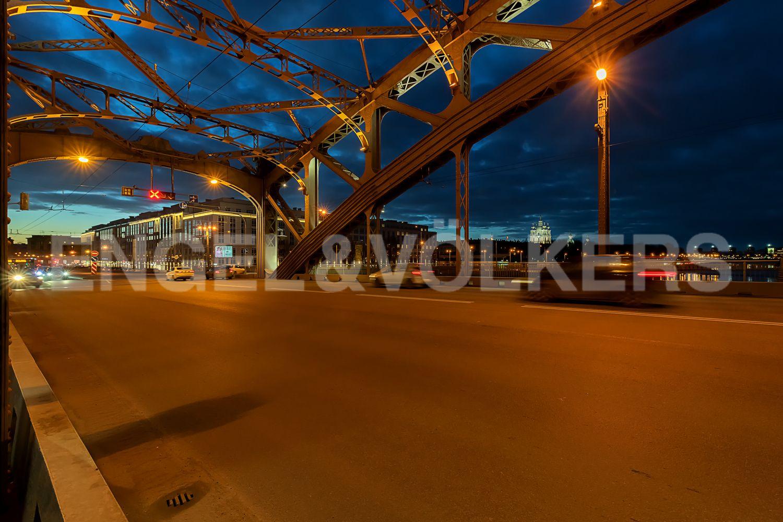 Вид на комплекс с Большеохтинского моста