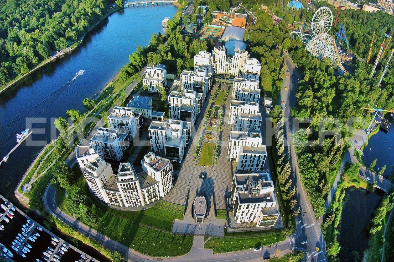 Элитные квартиры на . Санкт-Петербург, наб. Мартынова, 74. Комплекс утопает в зелени парков