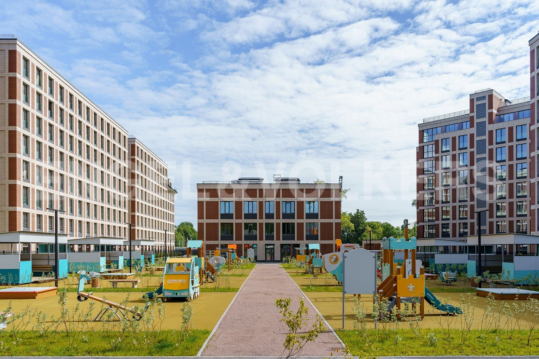 Детские и спортивные зоны на территории комплекса