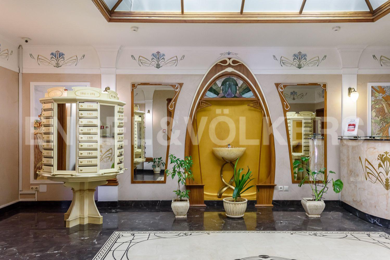 Элитные квартиры в Центральном районе. Санкт-Петербург, Большой Сампсониевский проспект, 4-6. Холл в стиле Art Nouveau