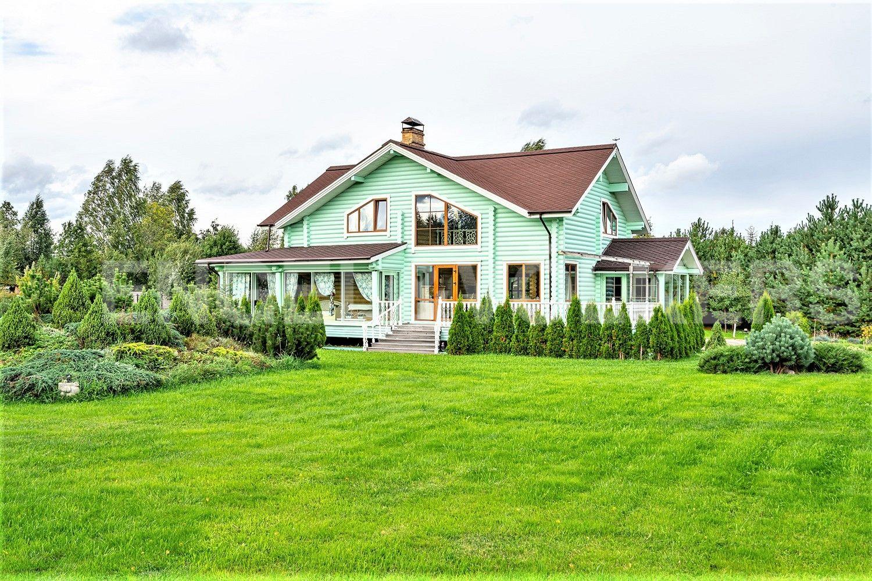 Элитные квартиры в Других районах области. Ленинградская область, . Вид на основной дом