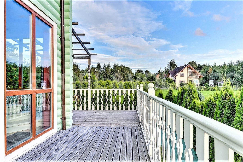 Вид с террасы основного дома