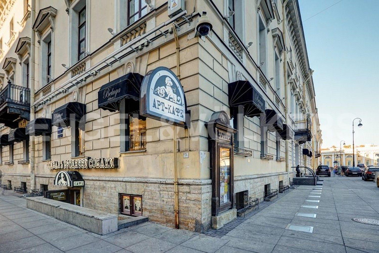 Легендарное Арт-кафе в цокольном этаже дома