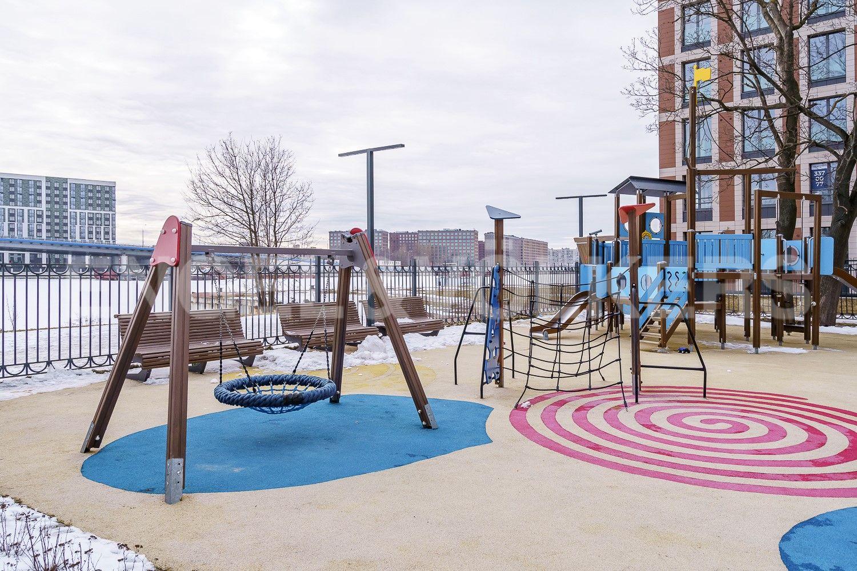 Спортивная и детская площадки