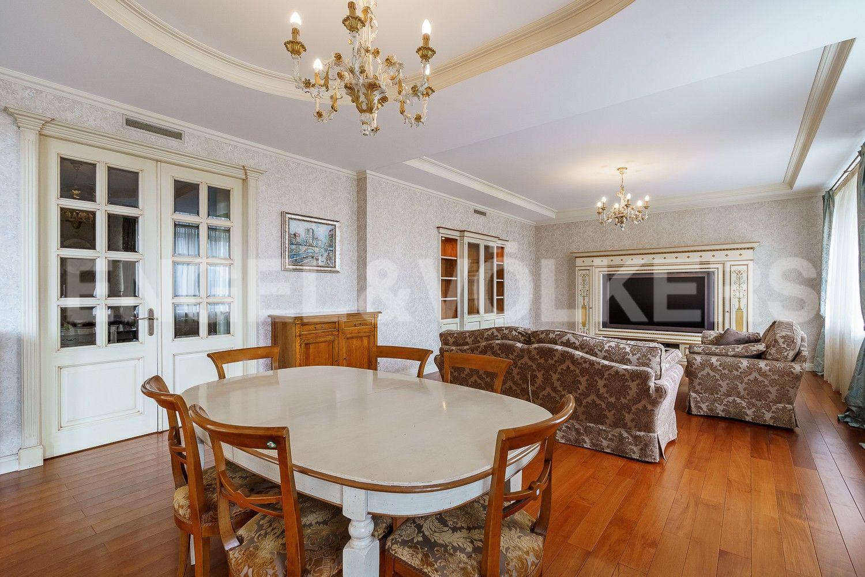 Элитные квартиры на . Санкт-Петербург, ул.Рюхина д.10. Гостиная