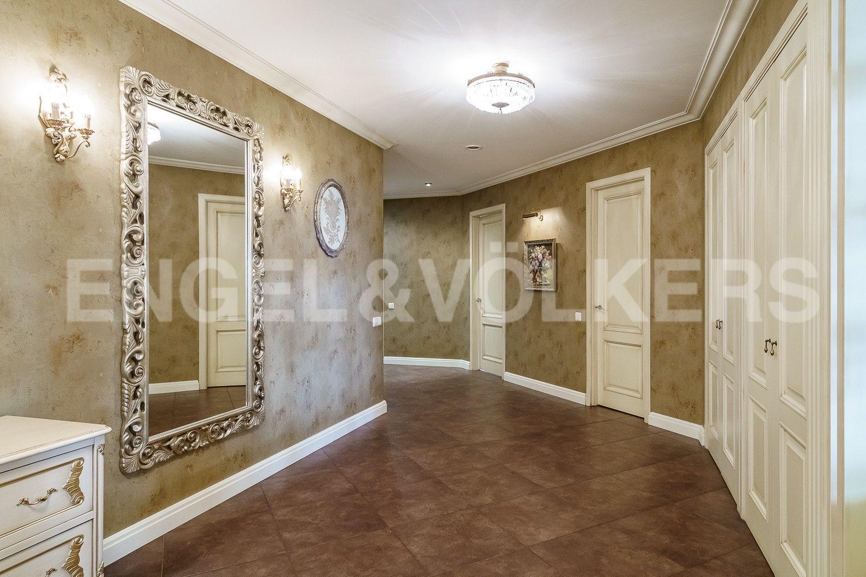 Элитные квартиры на . Санкт-Петербург, ул.Рюхина д.10. Холл