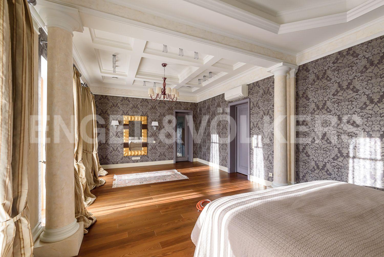 Мастер спальня со своим санузлом и гардеробом