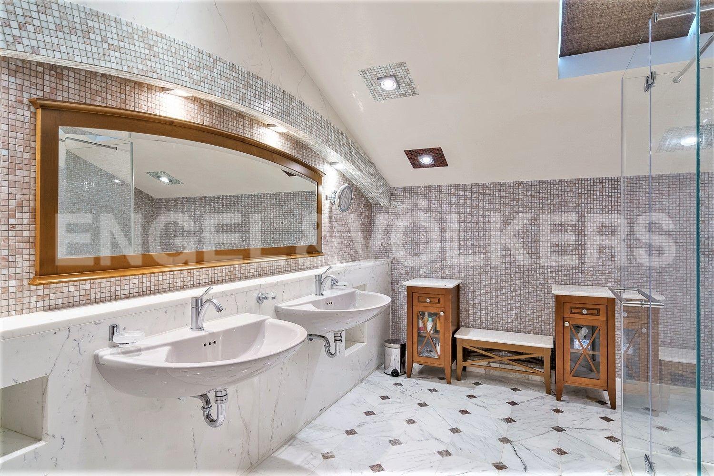 Ванная комната при спальне Ala Kirjola